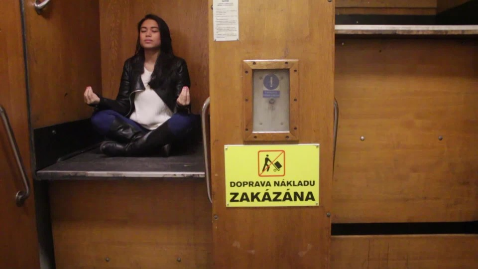 LIŮV VIDEOBLOG : Co dělají lidi ve výtahu