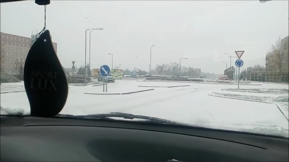 Klouzající kruháč trestal české řidiče