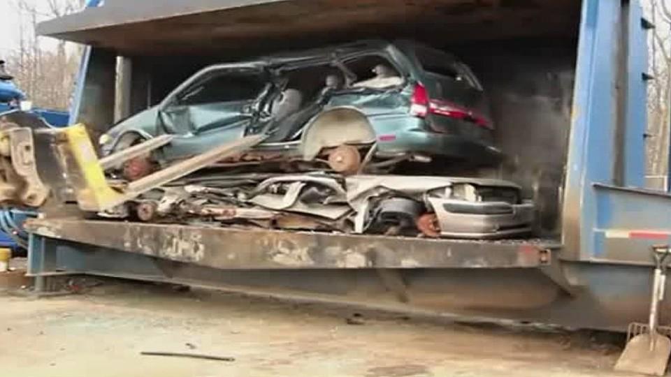 Automobilový lis