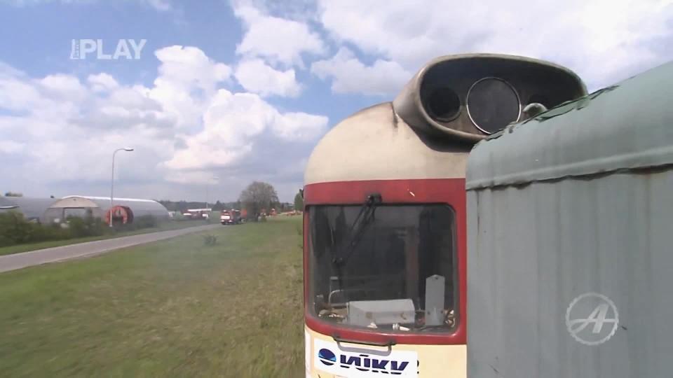 Auto vs Vlak