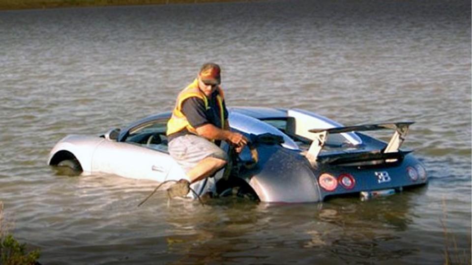 Jak utopit Bugatti Veyron