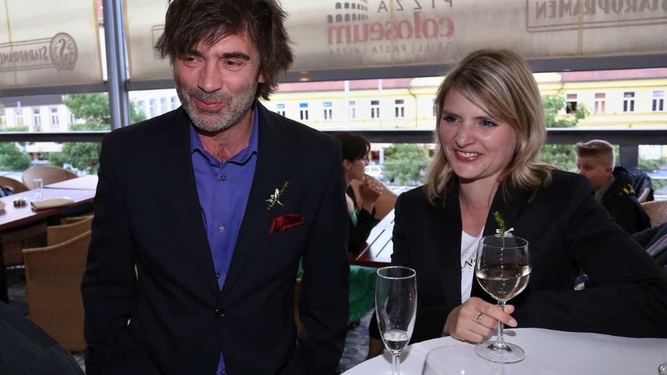 Svatby v Benátkách – José dostane nabídku vystavovat