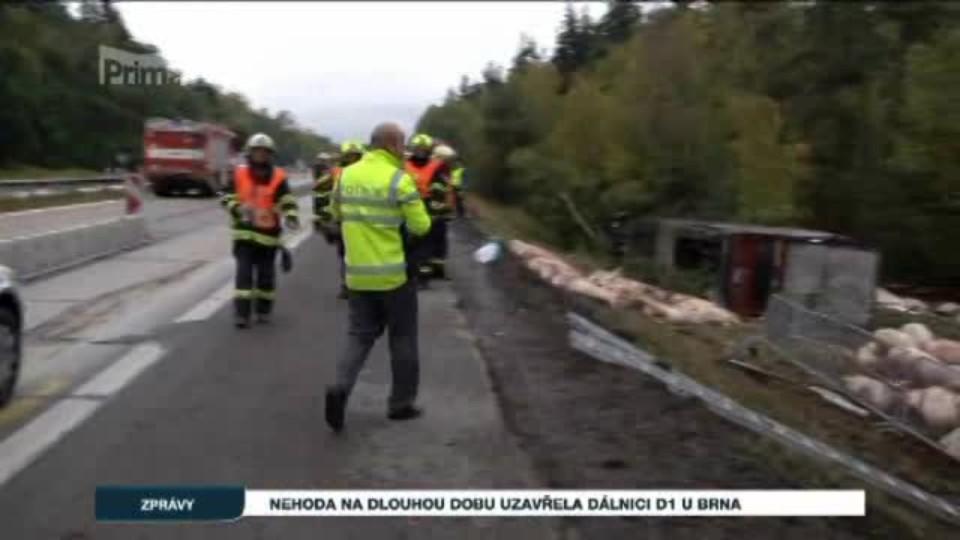 Nehoda na dlouhou dobu uzavřela dálnici D1 u Brna