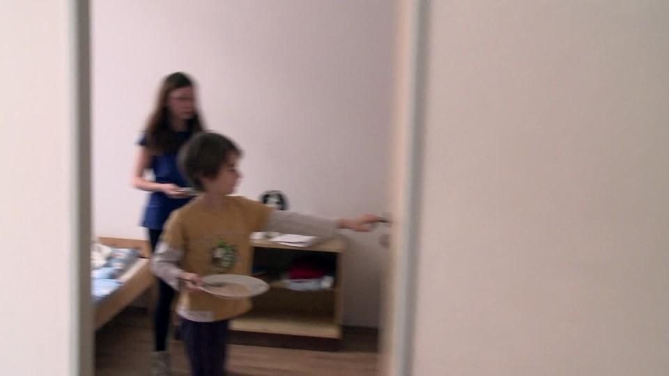 Křižovatky života II (10) - Gambler nechává děti hladovět