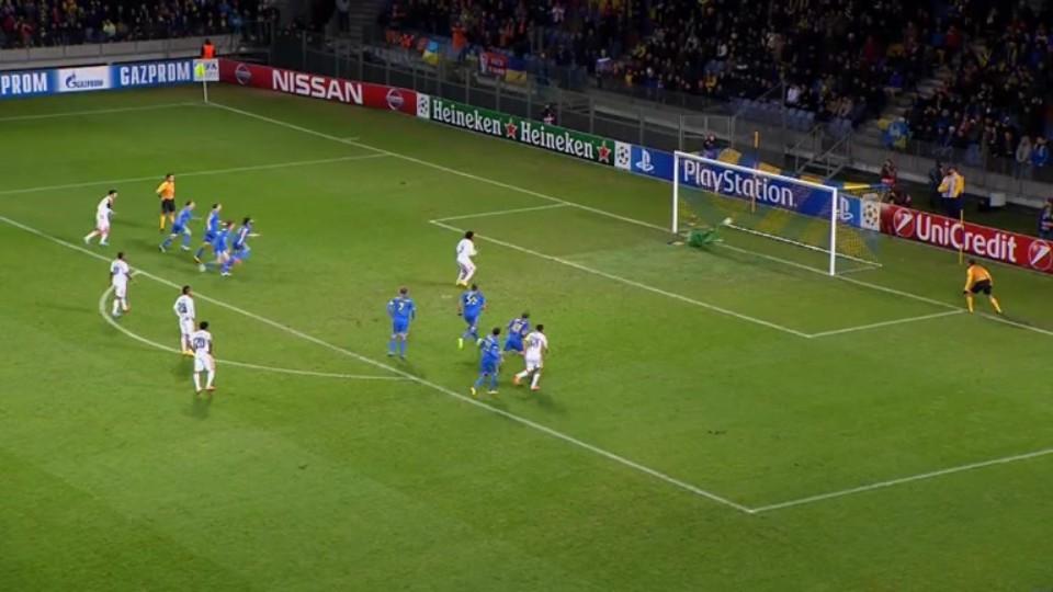 Penalta - Luiz Adriano 27 (21.10.2014)