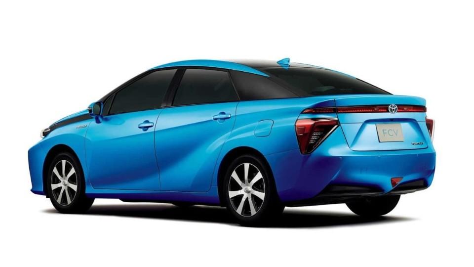Toyota FCV + Toyota C-HR Concept + Toyota i-Road