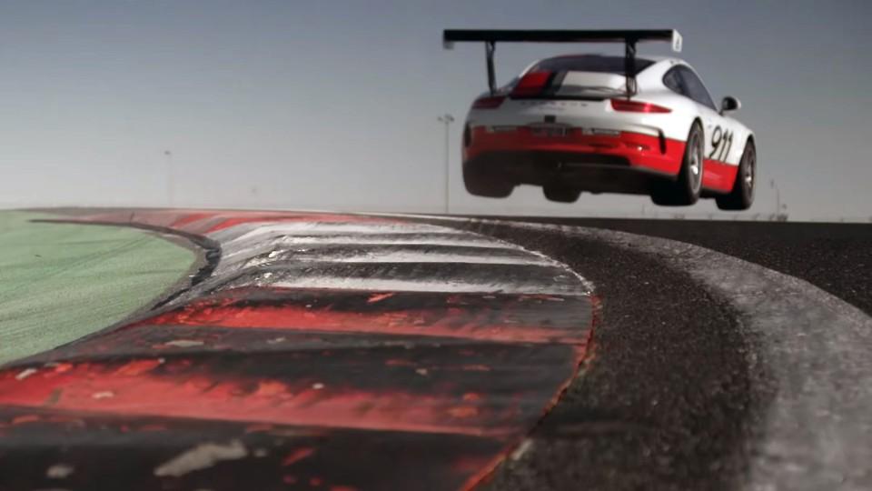 Mark Webber a textovky za volantem