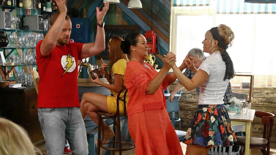 Přístav (7) - Španělský večírek