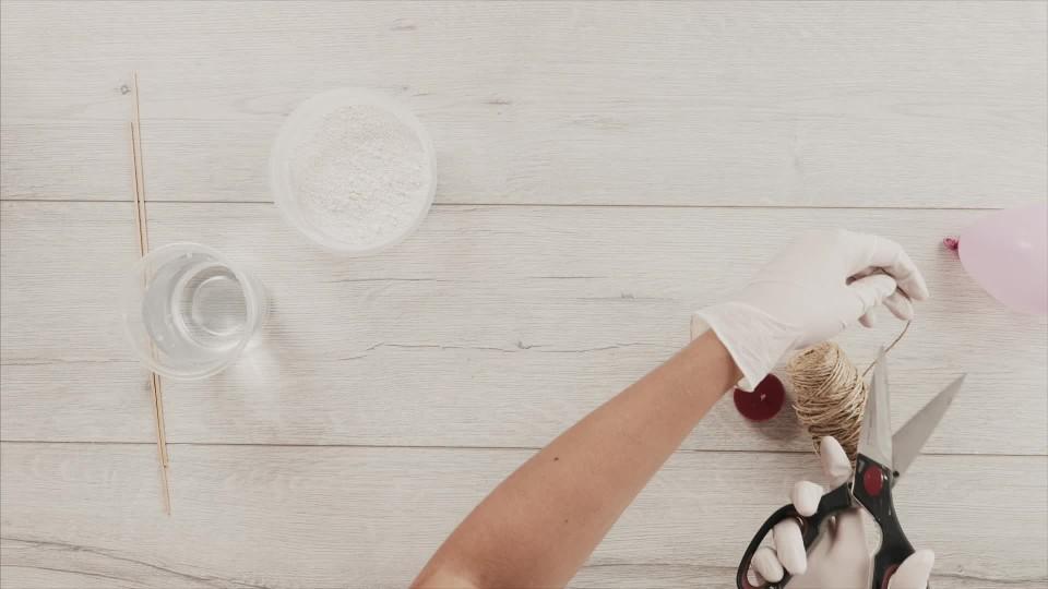 Prima DIY - Svíčka v sádrové skořápce