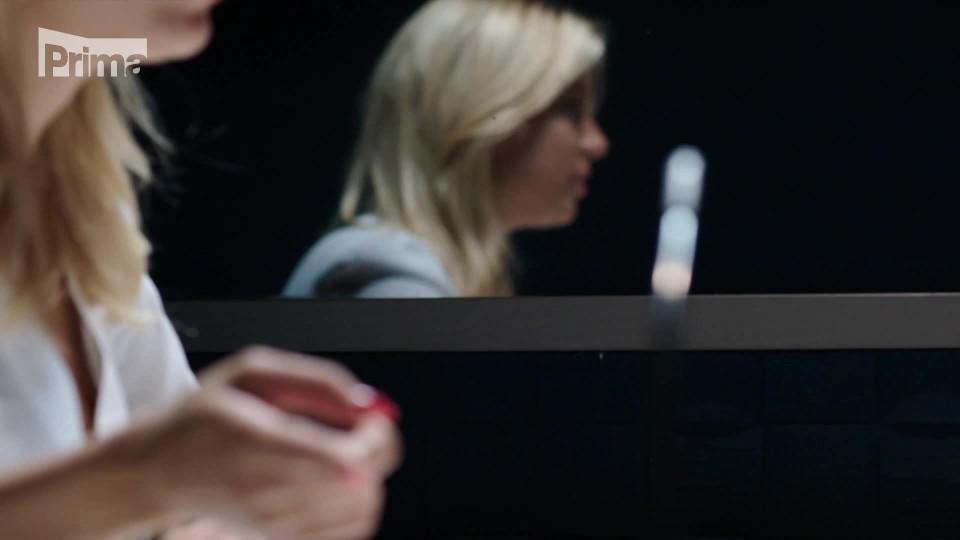 V.I.P. vraždy (12) – Eva Perkausová jako modelka u výslechu