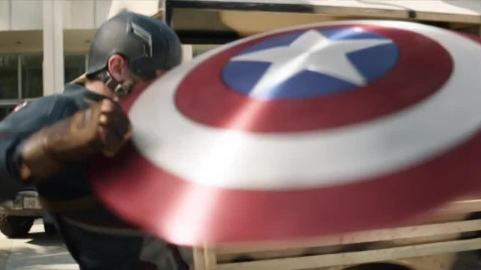 PRVNÍ KLIP: Captain America: Občanská válka
