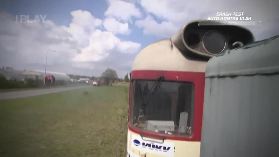 Crash-test auto kontra vlak