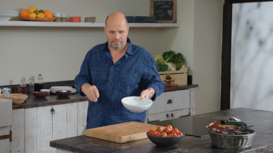 Marinované jahody s krémem Chantily