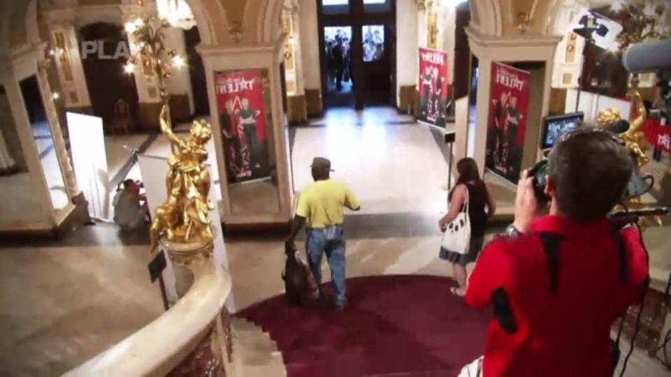 ČSMT IV (7) - Mavungu Mbudi - odchází z divadla