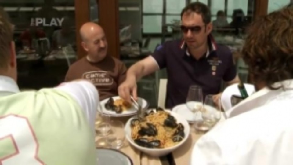 Léto s Italem - Oběd na lodi
