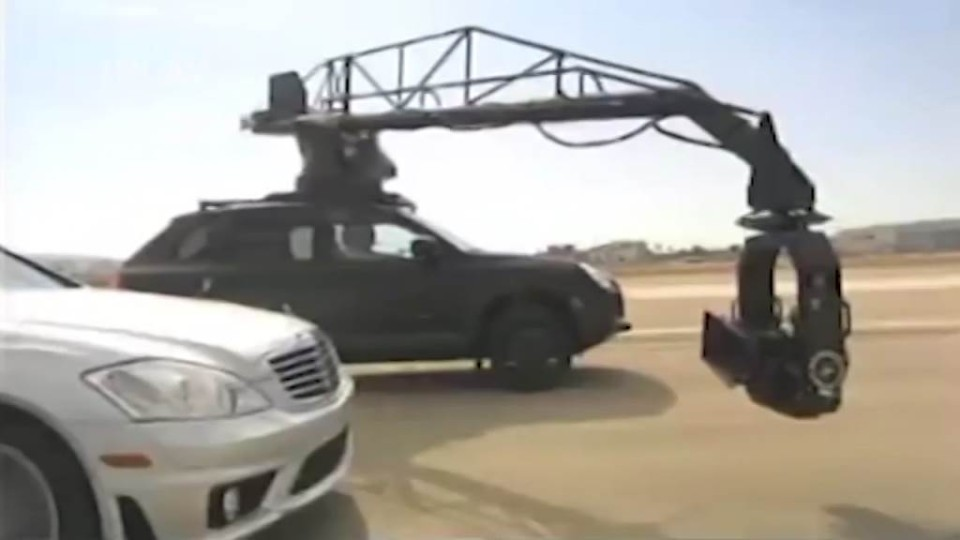 Autovideo Porsche Cayenne