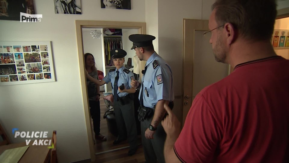 Manželka ve skříni - Policie v akci