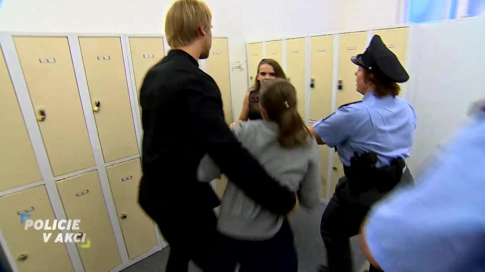 Prázdná skříňka – Policie v akci