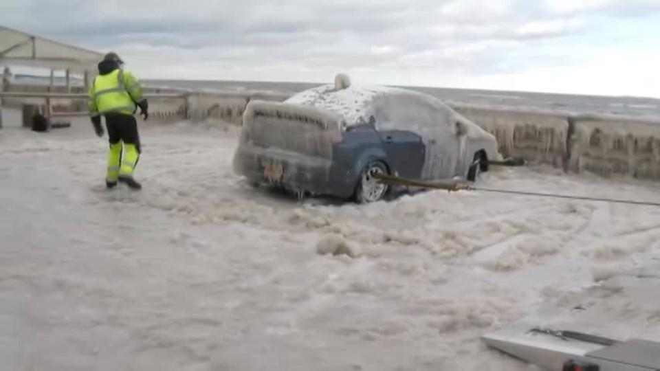 Dokonale zamrzlé auto 2