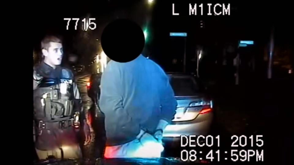 Důchodce šňupal přímo před policistou