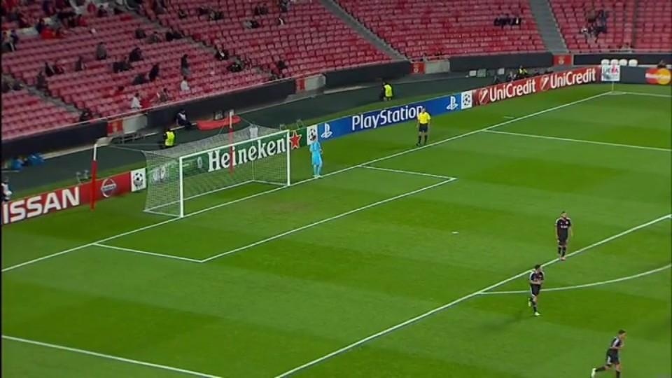 Sestřih zápasu - Benfica v Leverkusen (9.12.2014)
