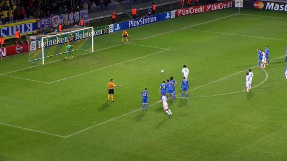 Penalta - Luiz Adriano 80 (21.10.2014)