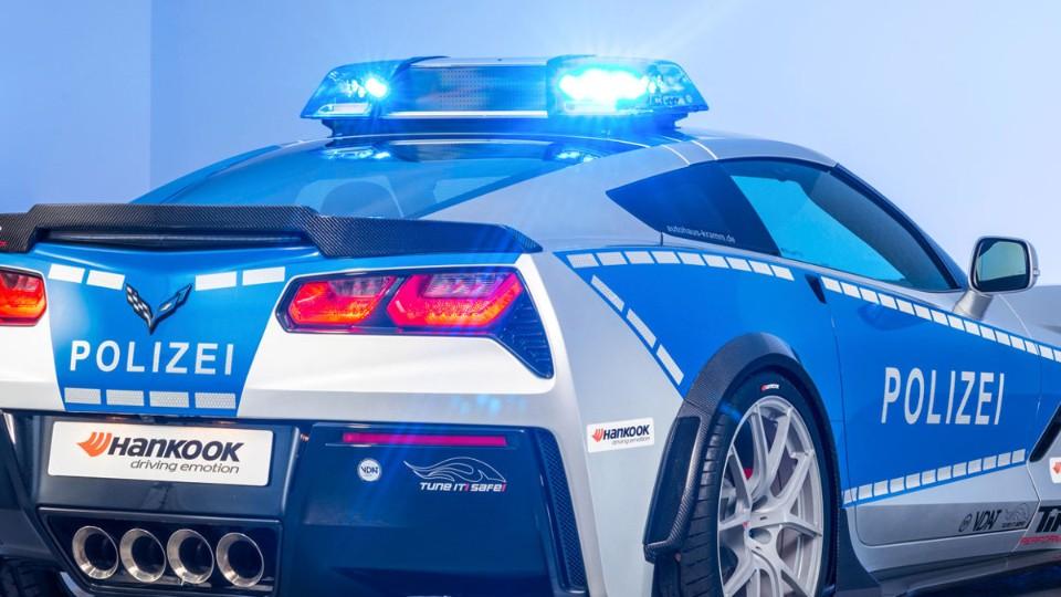 Corvette v barvách německých policistů