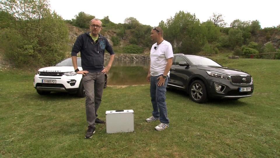 Kia Sorento 2,2 CRDi 4x4 A/T Premium 7M vs. Land Rover Discovery Sport 2,2 SD4 AT HSE 7M