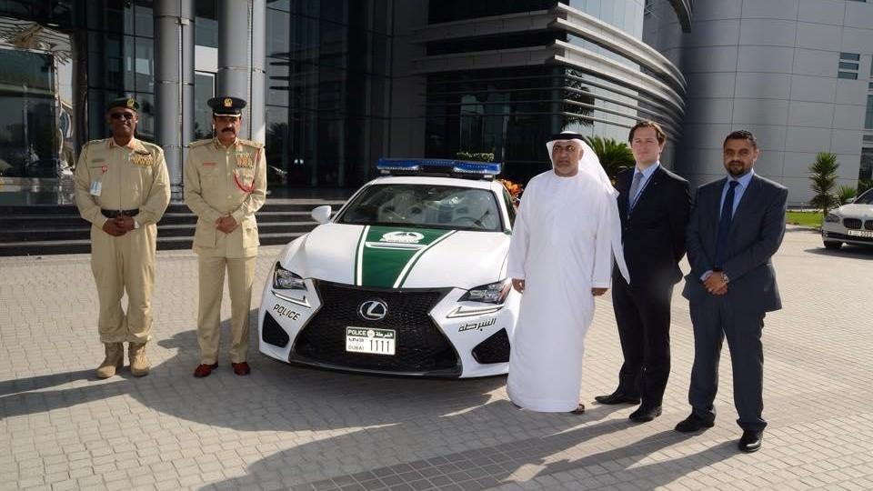 Policejní Lexus v Dubaji