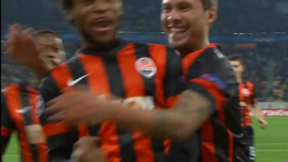 Gól - Luiz Adriano 93 (5.11.2014)