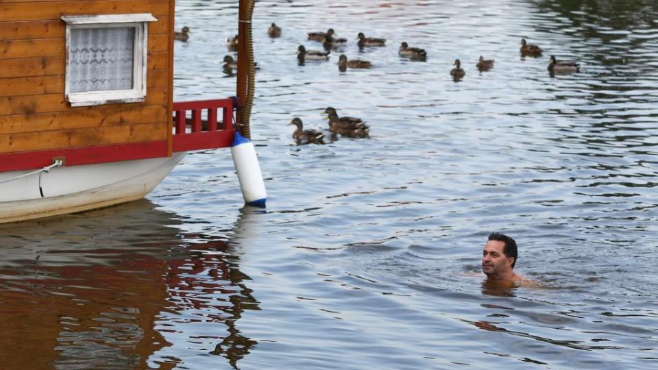 Přístav - Martin Dejdar ve vodě