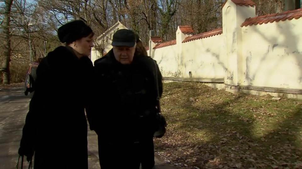 Cesty domů (171) - Pohřeb