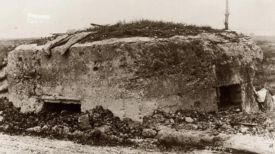 Železnice první světové války 2 - obří houfnice na kolejích