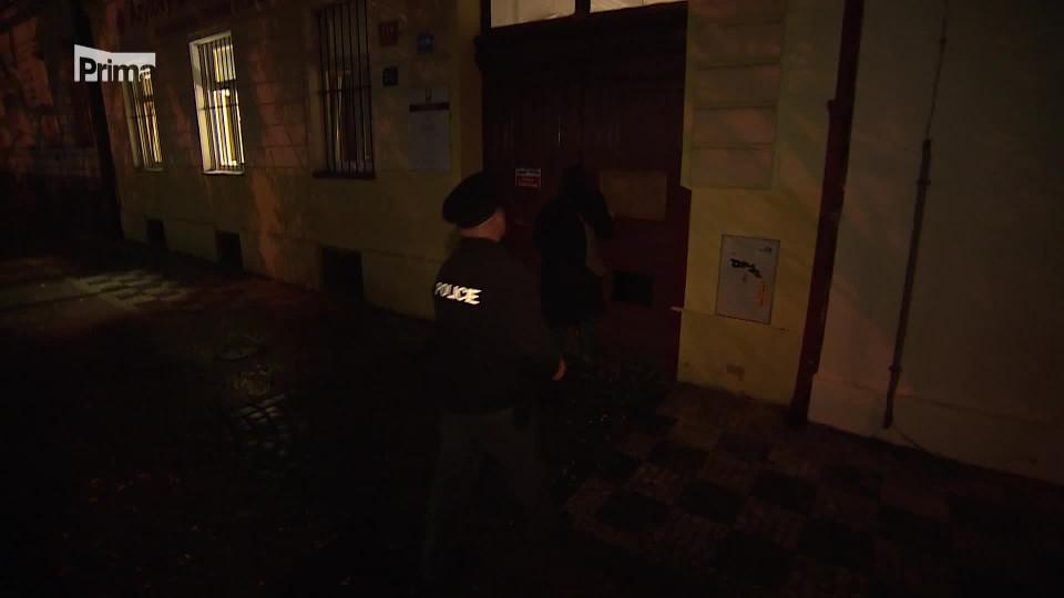 Neodbytný bezdomovec - Policie v akci