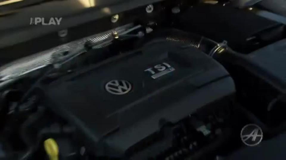 Volkswagen Golf R 5D