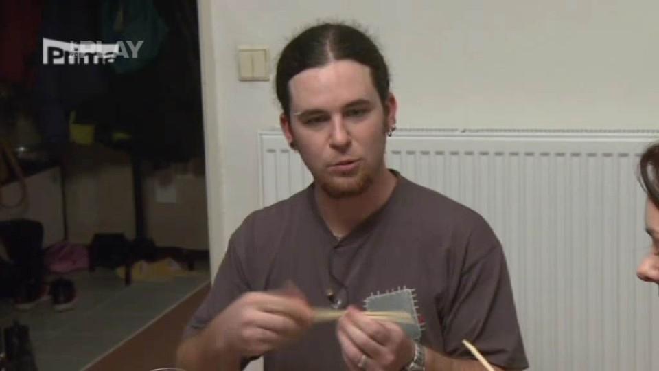 Prostřeno - Jak jíst hůlkami