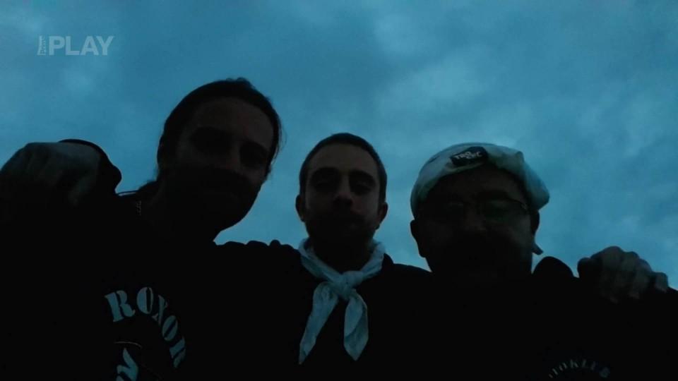 Tým trosečníků Brno zpívá půlnoční