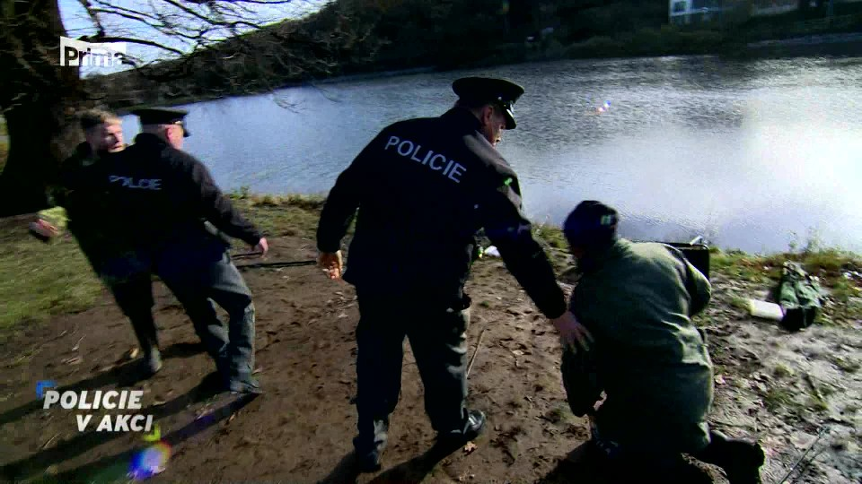 Hádka rybářů - Policie v akci