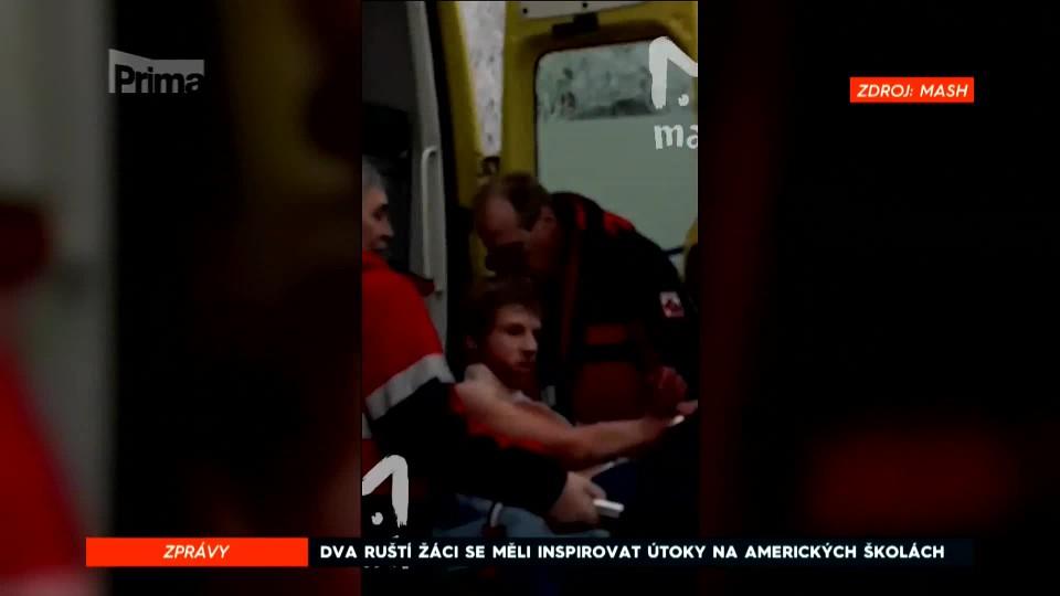 Útok v ruské škole: Dva bývalí žáci pobodali patnáct lidí