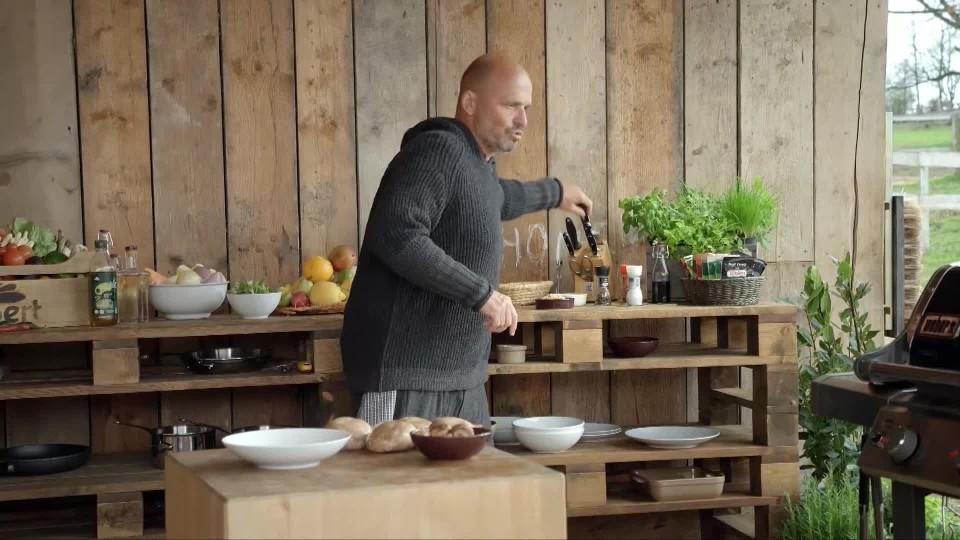 Rozpal to, šéfe! IV (2): Salát z grilovaných hub