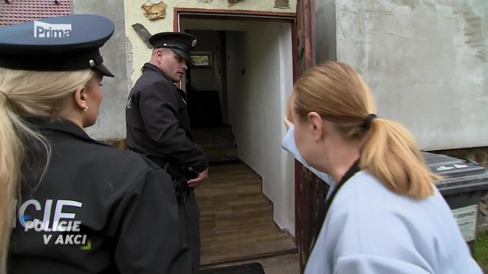 Muž v ložnici - Policie v akci