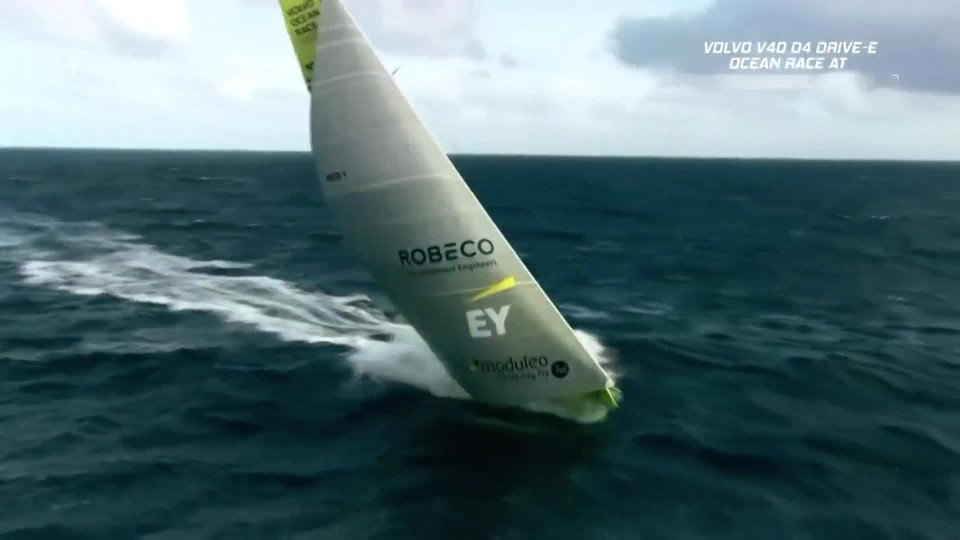 Volvo V40 D4 2,0 Drive-E Ocean Race AT