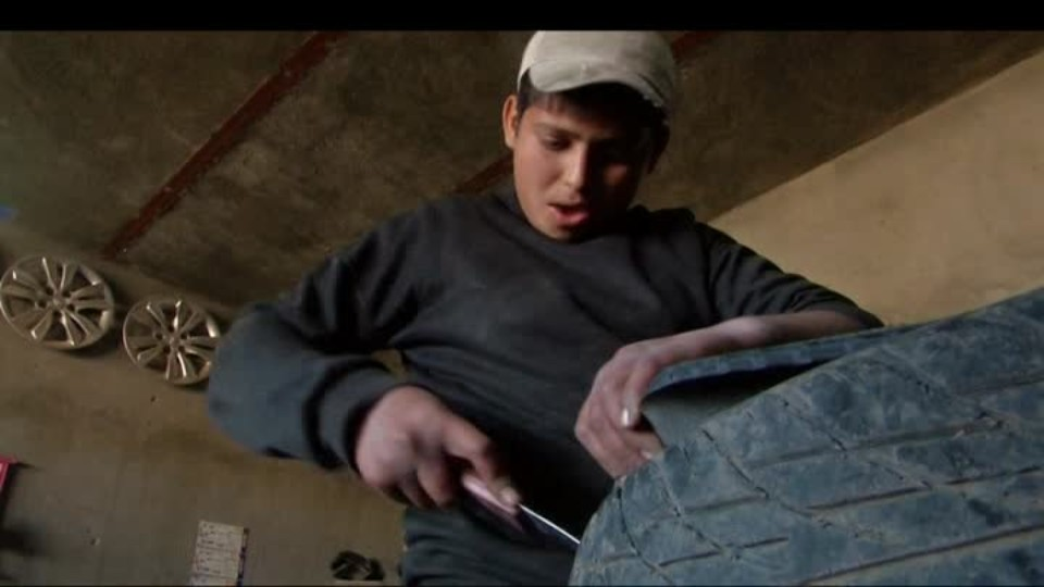 SVĚT: Nábytek z pneumatik v Bagdádu