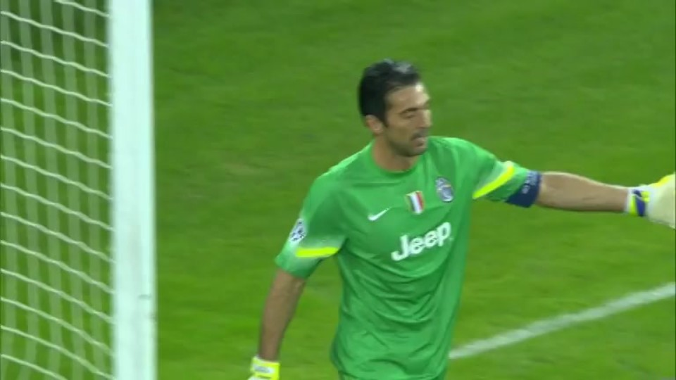 Sestřih zápasu - Olympiacos v Juventus (22.10.2014)