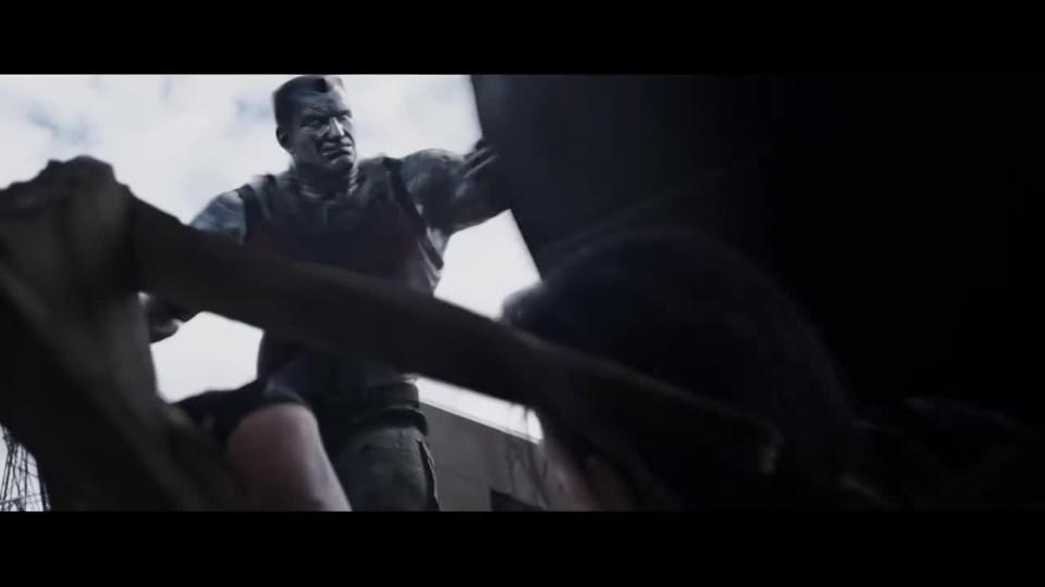 VIDEO: Colossus z Deadpoola