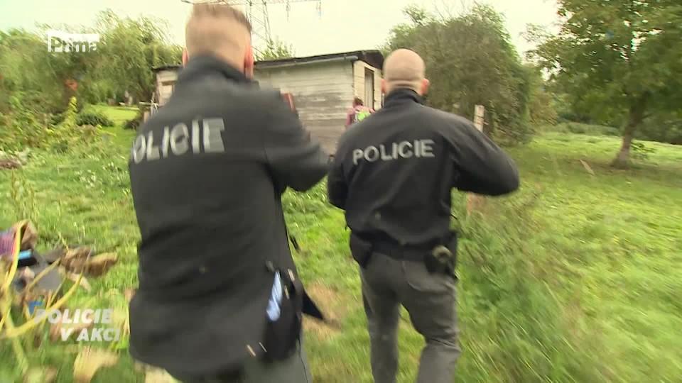 Agresor v kolonii - Policie v akci