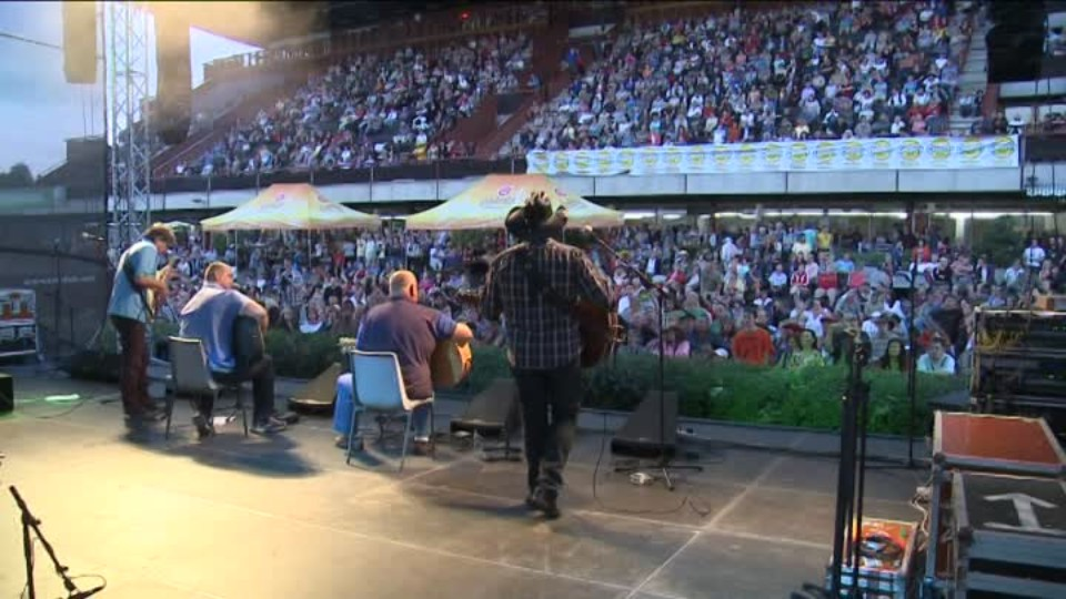 TOP STAR 19.7.2016 - František Nedvěd zkolaboval na koncertě