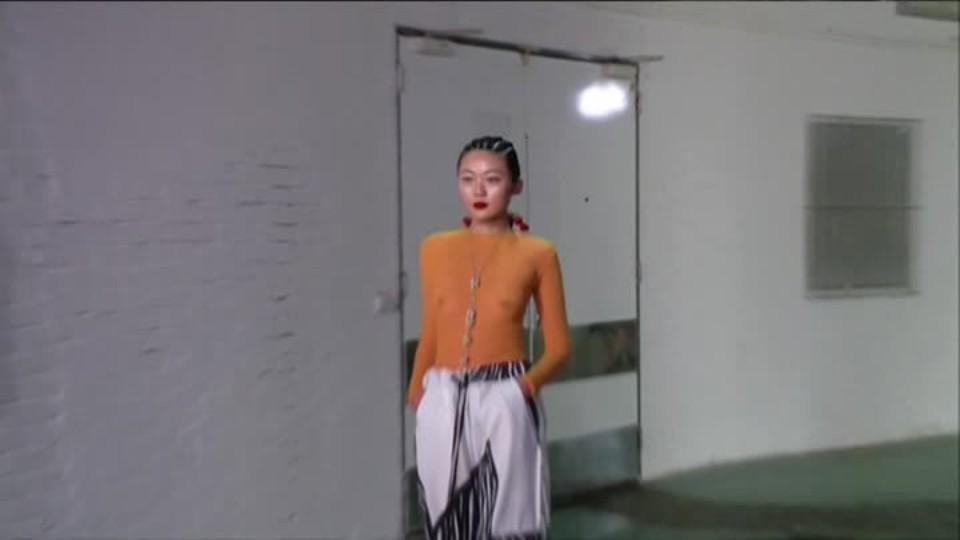 TOP STAR 4.9.2016 - Fashion week - Simona Krainová